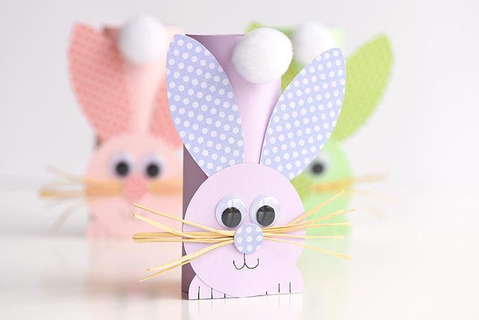 tube de papier et motifs lapin de papier avec des yeux mobiles, idée activité manuelle maternelle en papier, bricolage de paques