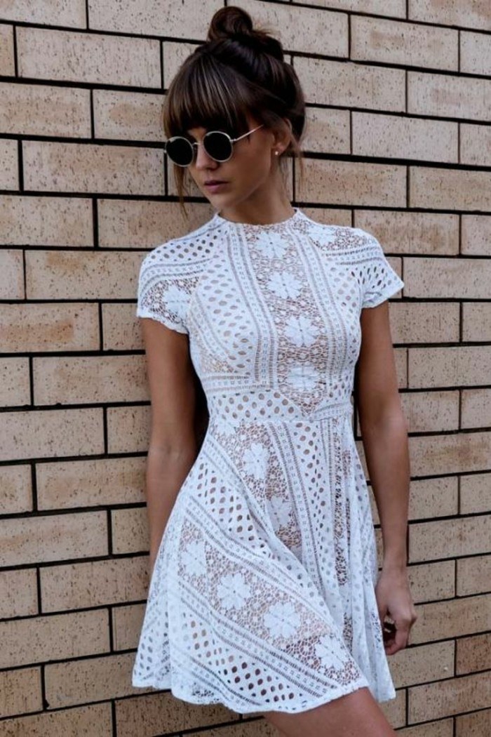 le-look-casual-chic-femme-style-casual-chic-femme-robe-dentelle-courte