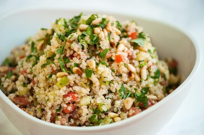 quinoa, idée de salade de quinoa avec des légumes, aliment contenant du fer, remède anémie