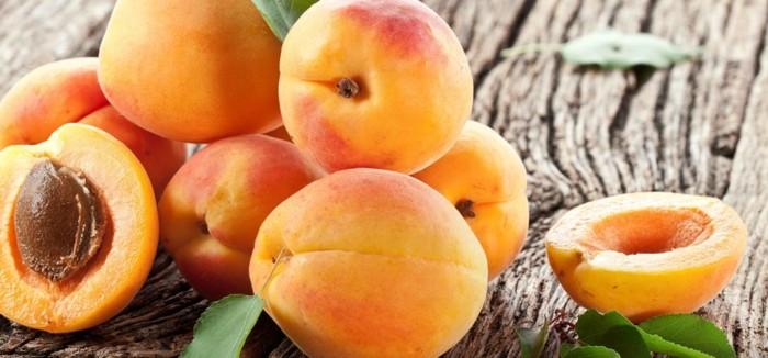 abricots, fruit riche en fer, idée aliments contenant du fer, changer d alimentation contre le risque d'anémie