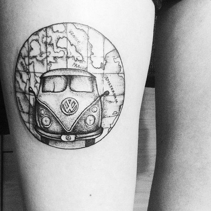 tatoo carte du monde et combi volkswagen comme symbole de liberté tatouage surf