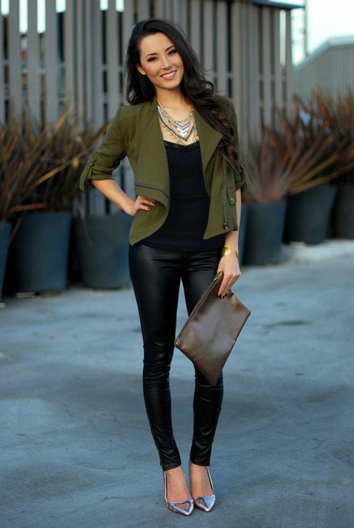 look-élégant-legging-effet-cuir-veste-asymétrique