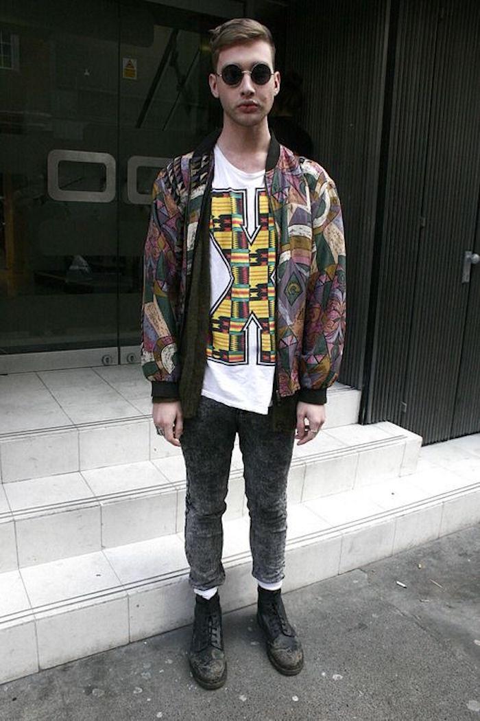 veste vintage et tee shirt retro avec jean slim annee 90