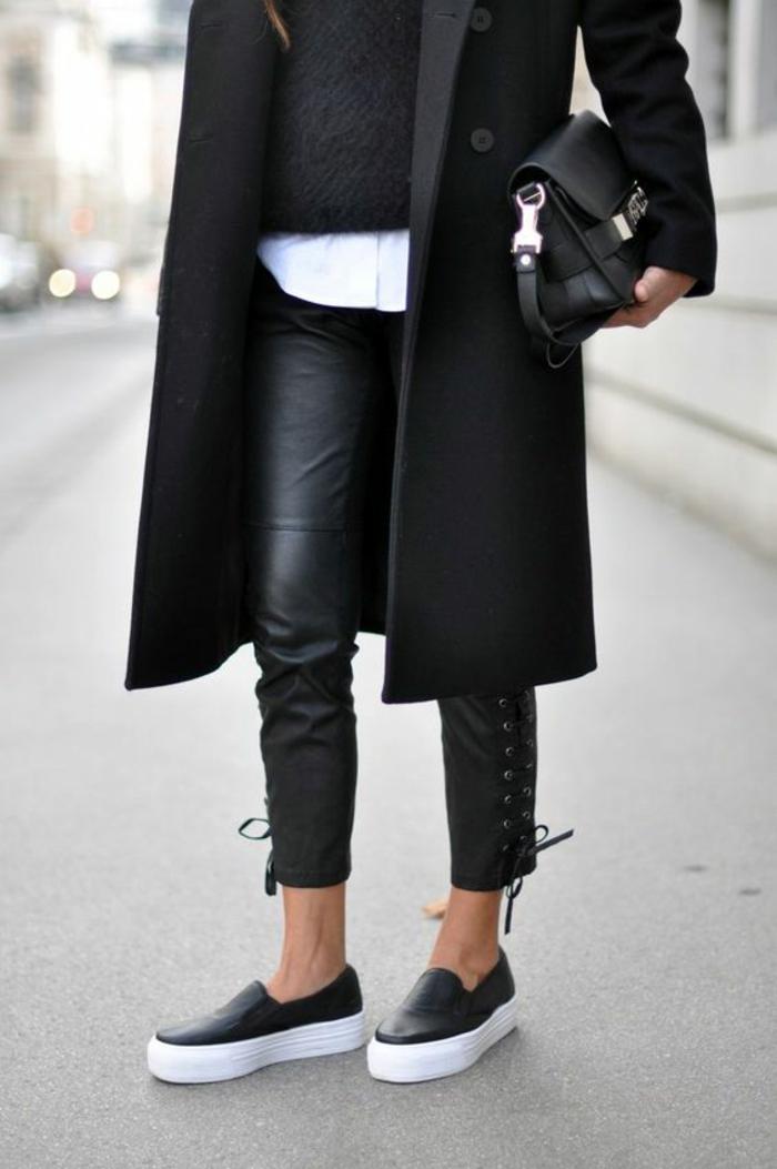 look-noir-et-blanc-marge-manteau-long-slim-cuir