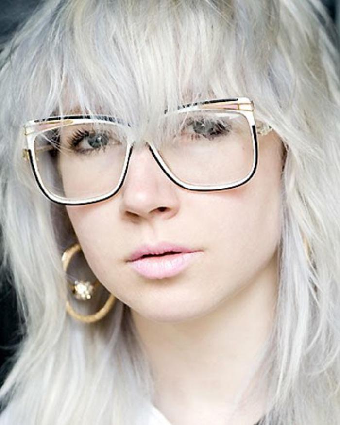 lunettes-de-vue-femme-en-métal-et-en-blanc