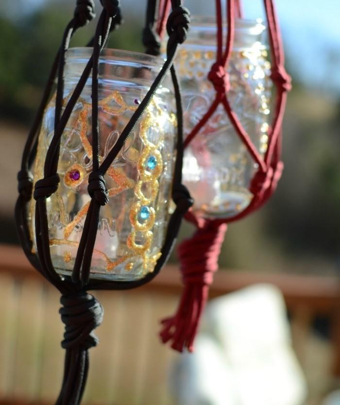 macramé technique, pot en verre, lanterne à bougies, décoration en or et turquoise