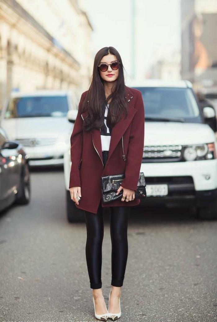 manteau-bordeaux-escarpins-pointus-legging-simili-cuir-femme