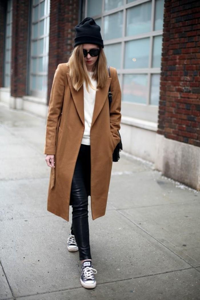 manteau-camel-legging-cuir-baskets