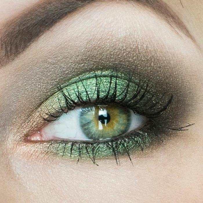 maquillage-des-yeux-bleus-ombres-à-paupières-vertes