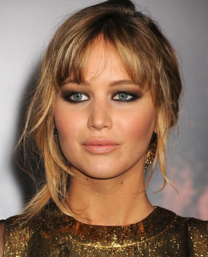 maquillage-doré-maquillage-yeux-bleus-marron-doré