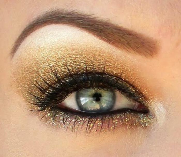 maquillage-doré-orange-pour-yeux-bleus-joli-maquillage-yeux-clairs