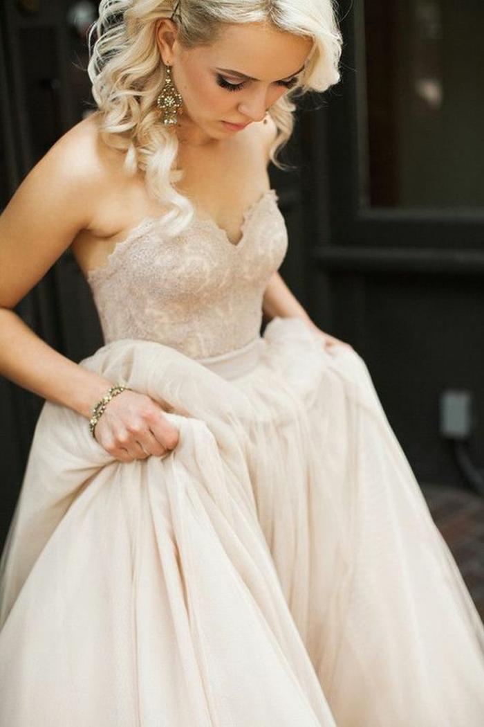 mariage-robe-de-mariée-longue-blanche-blonde-femme-jolie