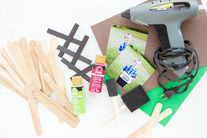 idée d activité manuelle facile et rapide, activité manuelle avec batonnet de glace, fabriquer un cadre photo maternelle