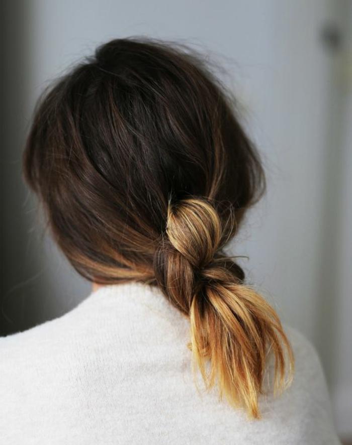 une coiffure effet coiffé-décoiffé, comment adopter le tie and dye couleur blonde sur des cheveux marron foncé