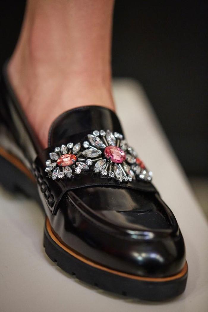 mocassins femme vernis aux crystals Swarowski blancs et roses