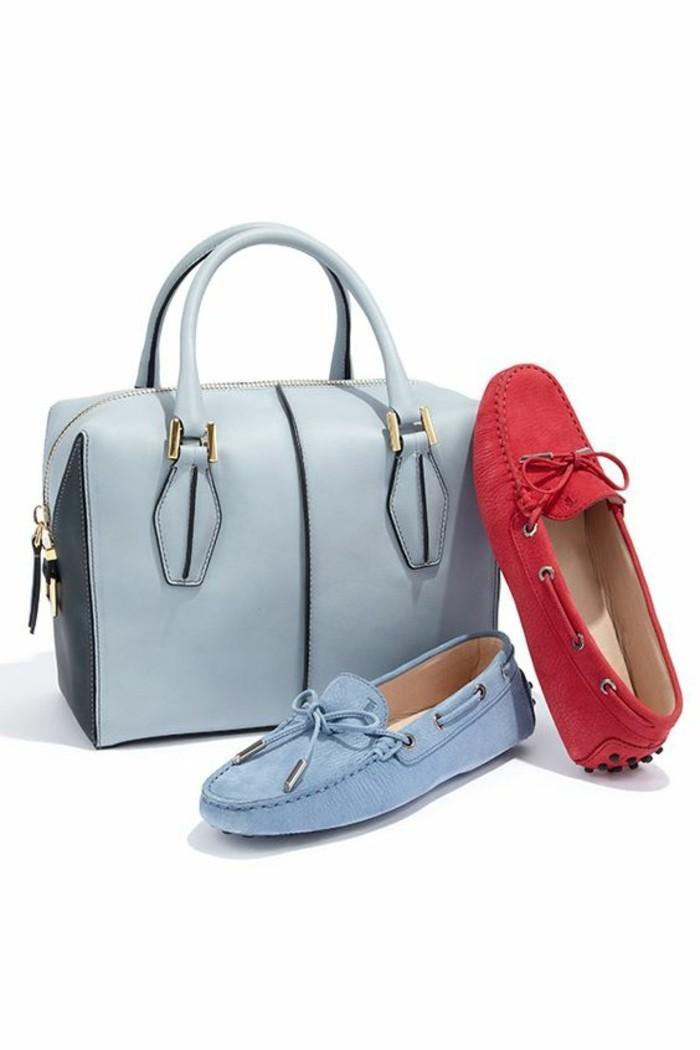 mocassins femme en bleu pastel et couleur corail avec un sac