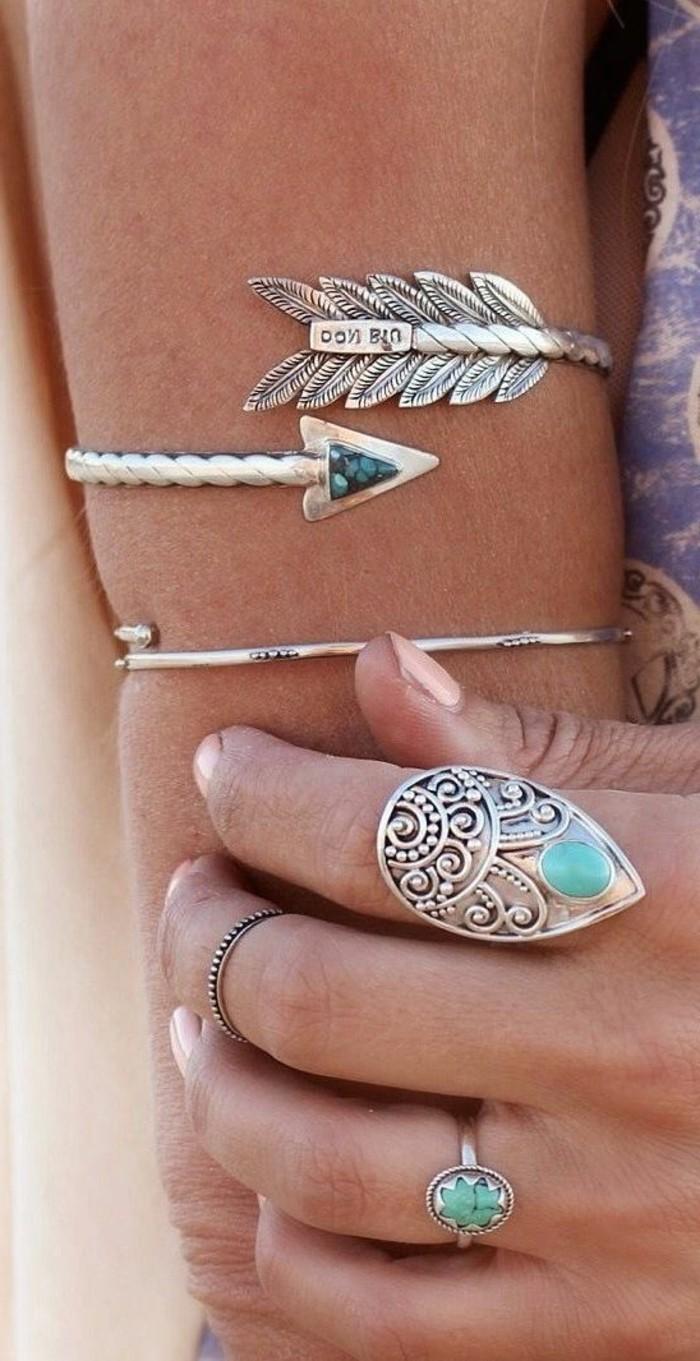 mode boheme, bagues et bracelets de bras