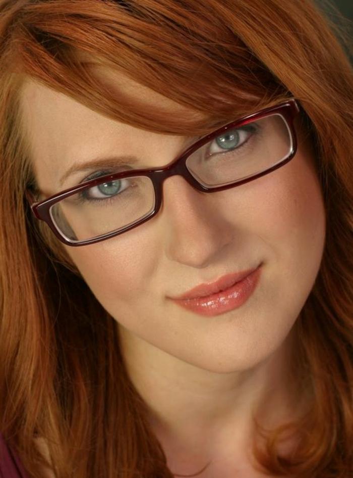 monture-de-lunette-de-vue-femme-délicate-pour-les-rousses