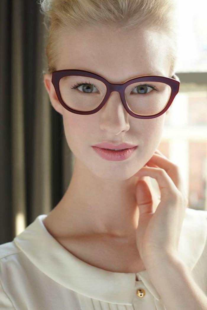 monture-lunette-de-vue-femme-forme-qui-tape-à-l-oeil