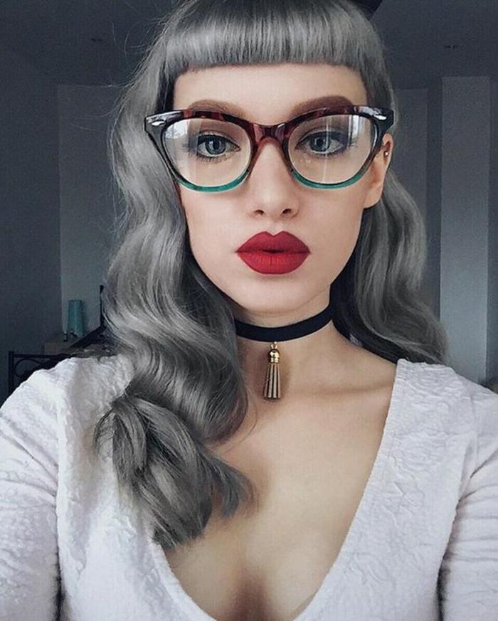 monture-lunette-femme-en-vert-et-noir-grande-oeil-de-chat-glamour