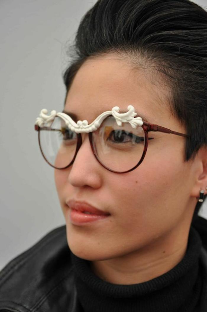 monture-lunette-femme-extravagantes-imitation-sourcils-blanches-style-baroque