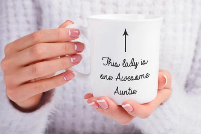 mug personnalisable, cette dame est une tante magnifique
