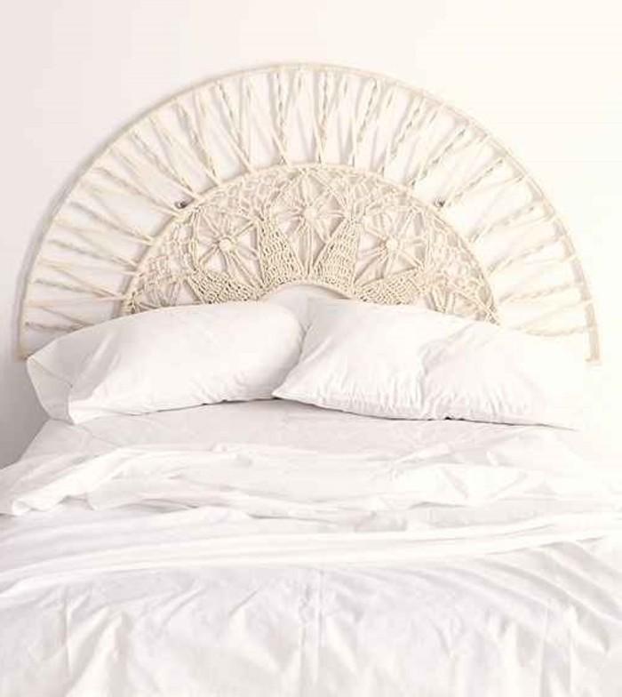 diy macramé, couverture de lit blanche, tête de lit macramé, noeud macramé