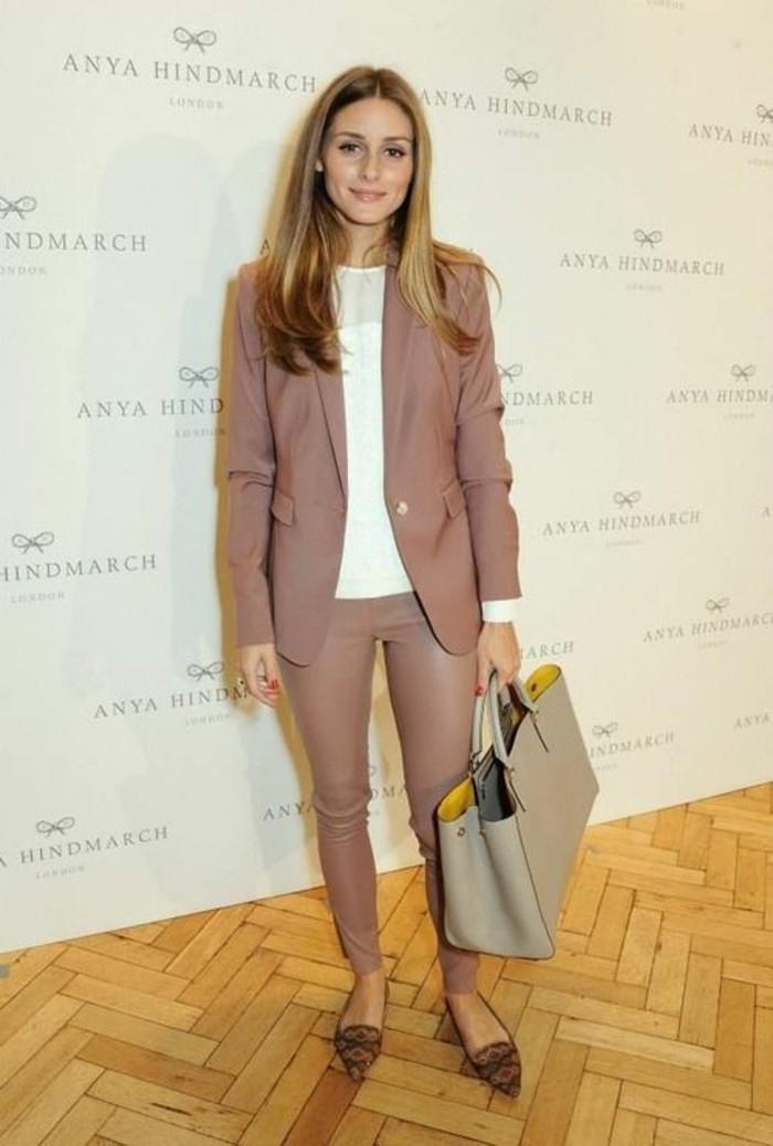 pantalon-en-cuivre-femme-couleur-rose-beige-veste-rose