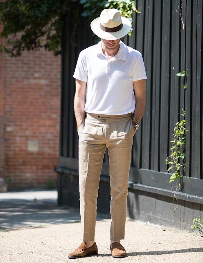 pantalon a pince beige en lin avec polo blanc