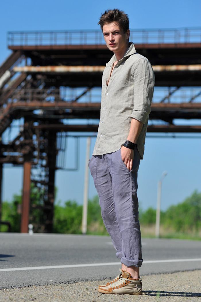 pantalon lin homme violet bleu et chemise verte d'été