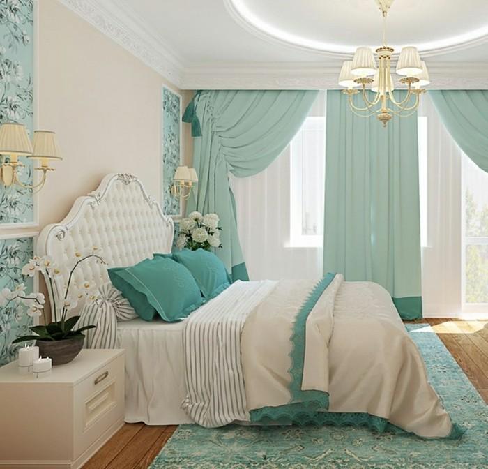 idée couleur chambre, parquet en bois, plafond suspendu, rideaux longs, coussins turquoise