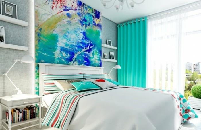 couleur chambre adulte, étagère murale, rideaux turquoise, peinture multicolore, murs gris