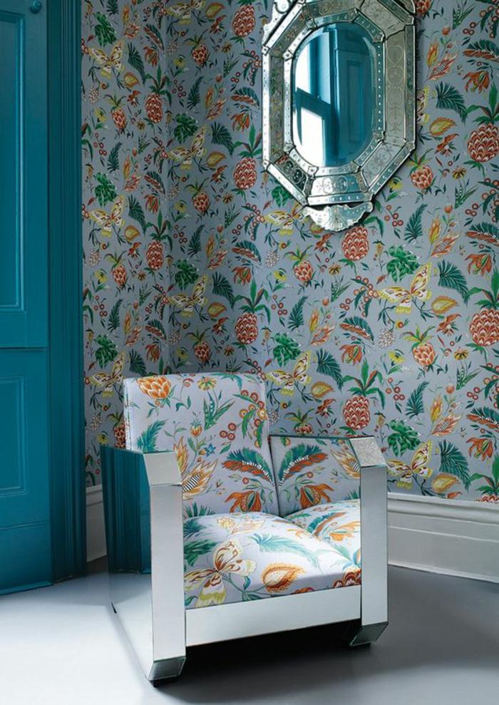 papier-peint-exotique-à-motifs-ananas-fauteuil-exotique