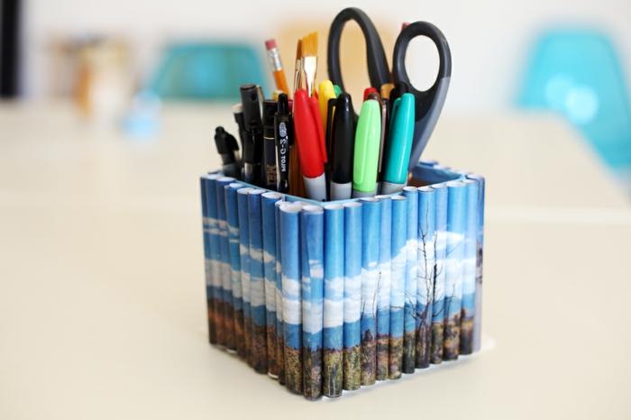 photos-enroulés-paysage-montagne-autour-d-une-boite-carré-rangement-crayons-stylos-ciseaux-idée-pourpot-a-crayon
