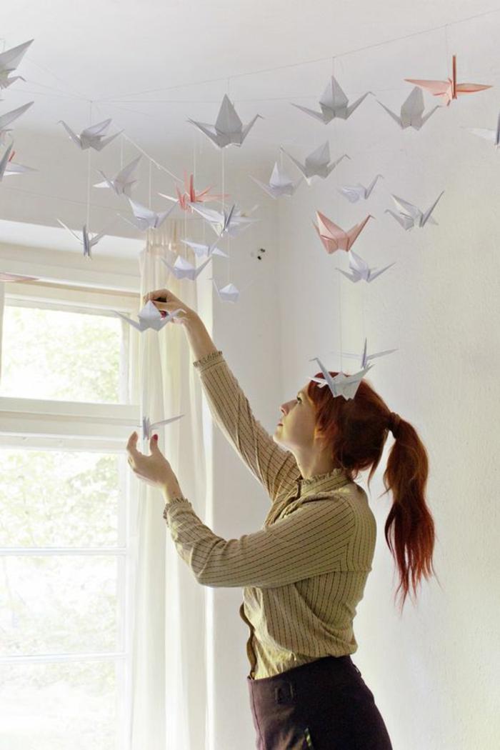 projet-diy-pour-chambre-d'ado-créative-guirlande-origami