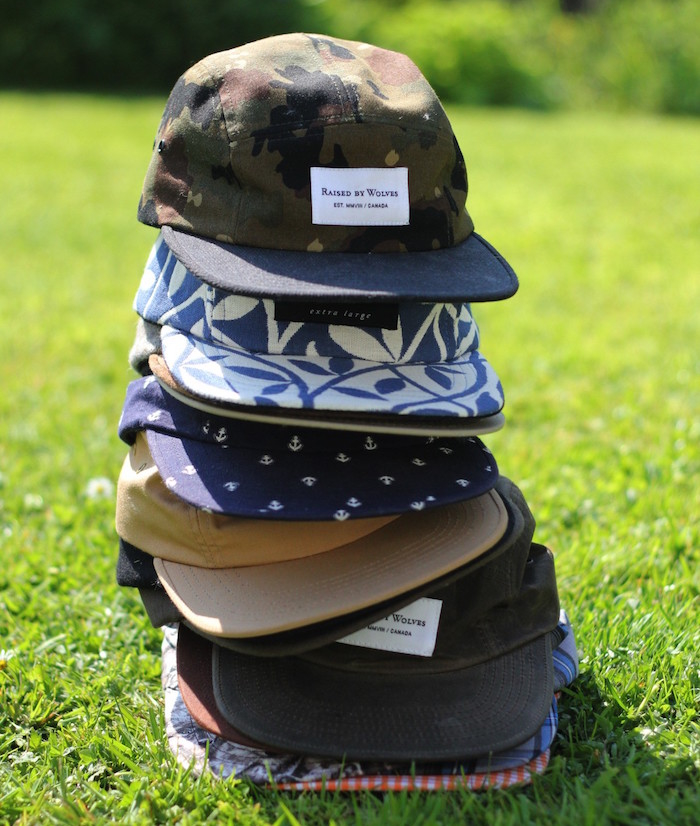 raised by wolves casquette hipster five panels