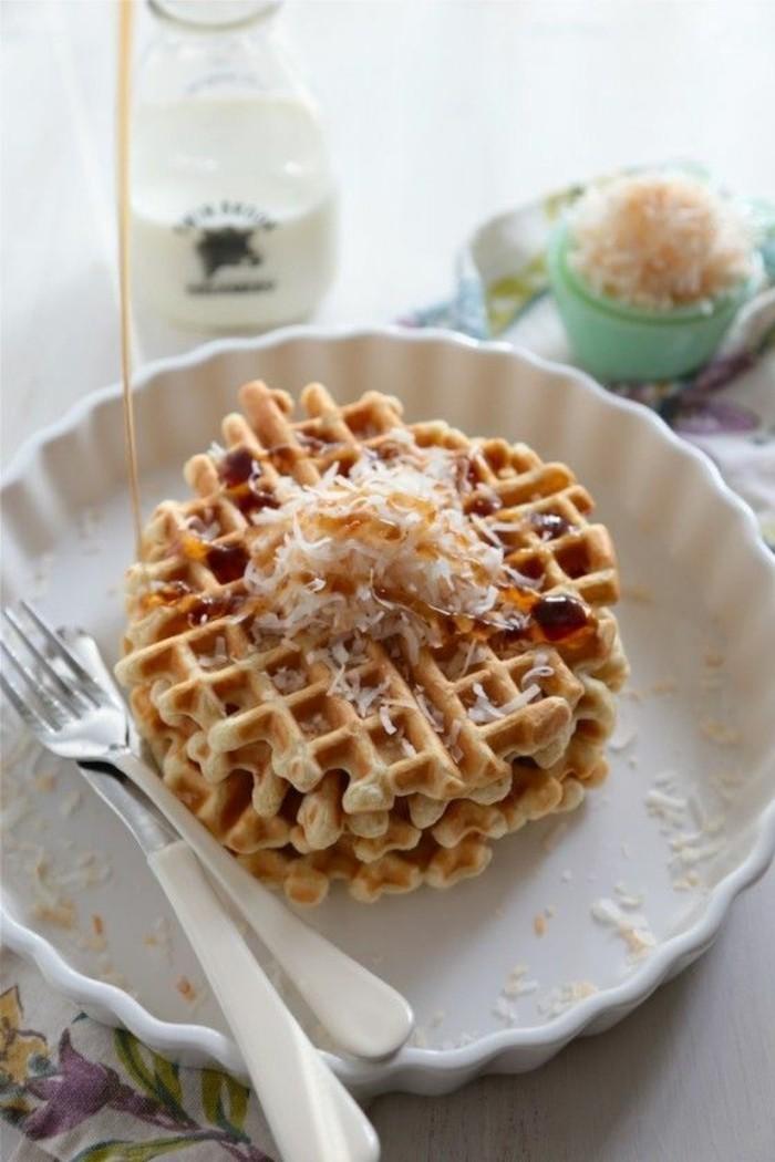 recette de gaufres croustillantes au babeurre et aux noix de coco