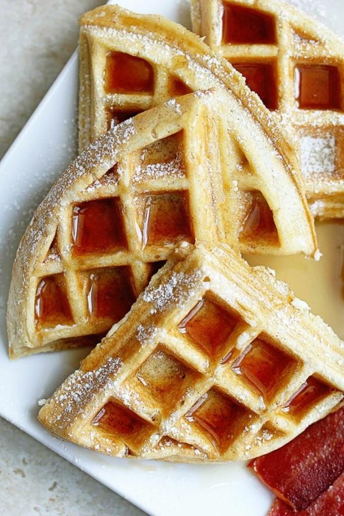 faire une pâte à gaufre légère, des gaufres moelleuses saupoudrées de sucre