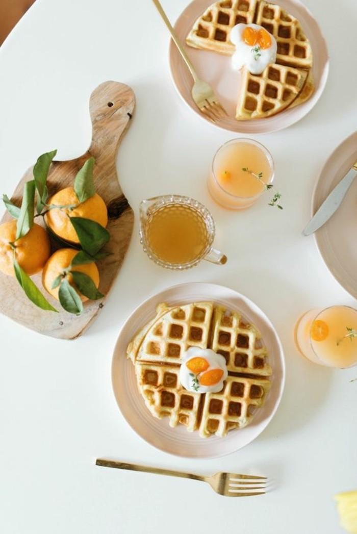 idée savoureuse pour un petit déjeuner nourrissant, des gaufres aux noix de coco idéales pour le printemps
