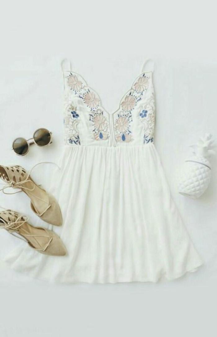robe-blanche-décontractée-look-chic-femme-tout-blanc-tenue-idee