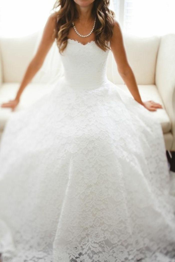 robe-de-mariée-bustier-paillette-robe-de-mariée-avec-bustier-dentelle-fleurie