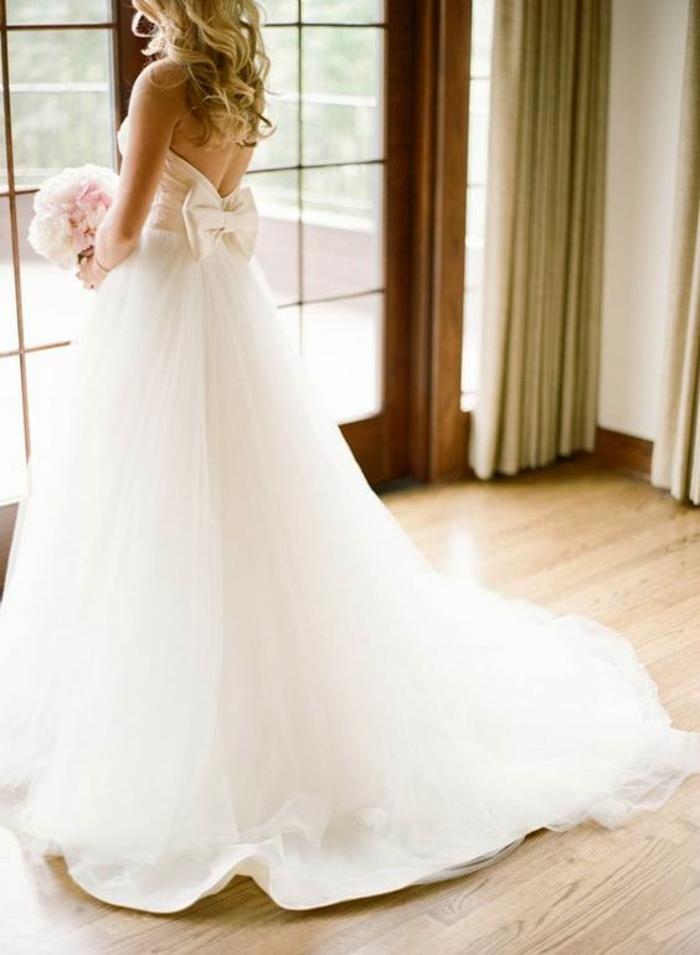 robe-mariée-bustier-coeur-robe-mariée-bustier-plume