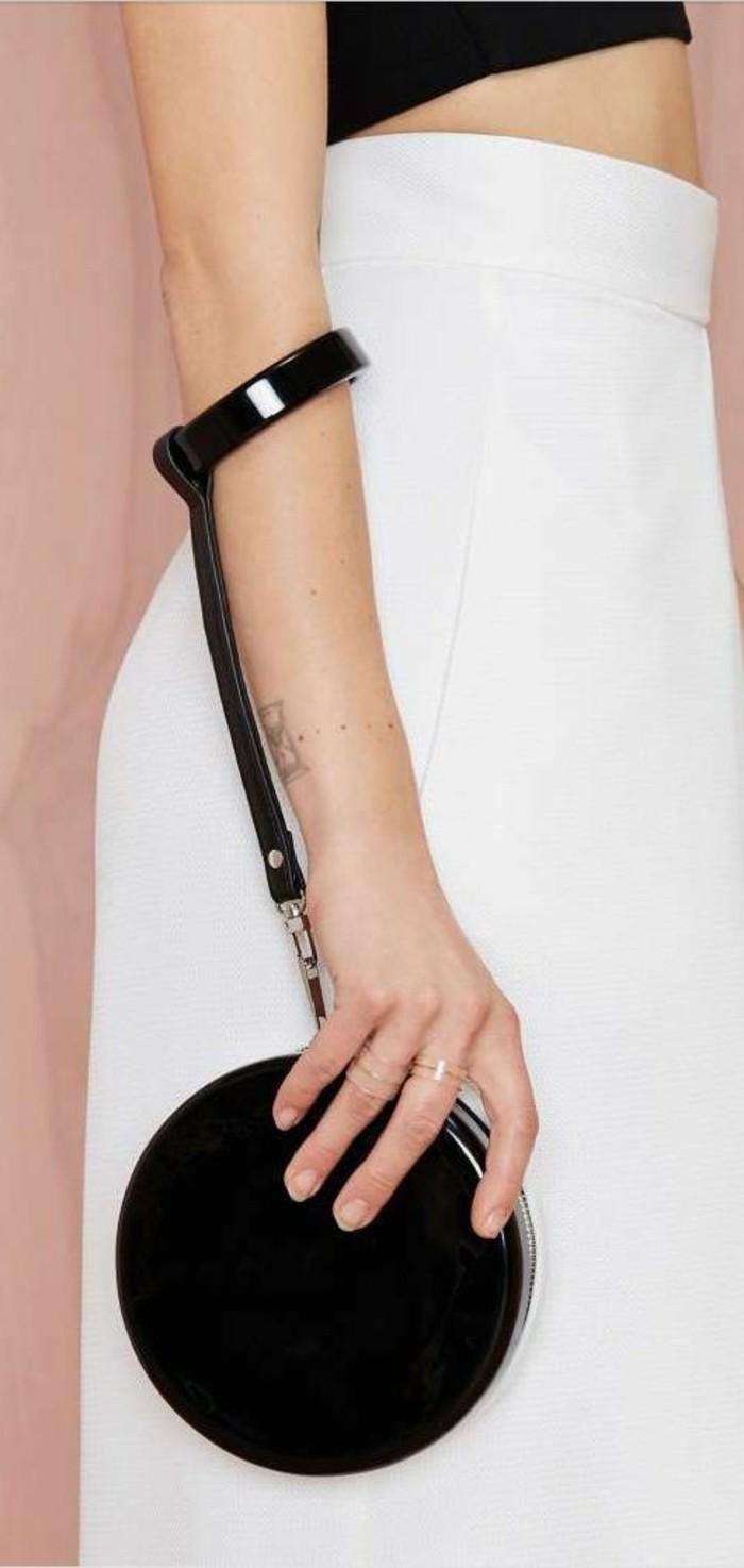 sac-à-main-femmes-chic-moderne-design-rond-avec-bracelet-en-cuir-pour-le-porter