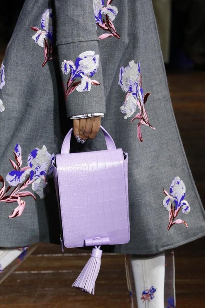 sac-à-main-femmes-en-rose-pastel-avec-grand-pompon-Kenzo