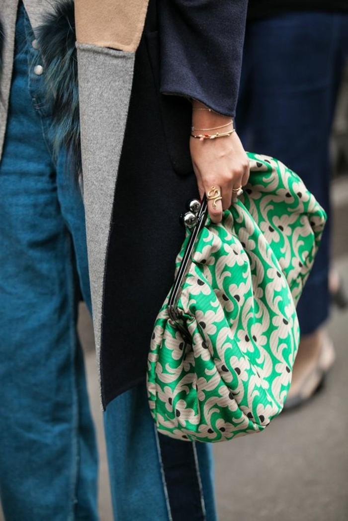 sac-à-mains-femme-forme-de-porte-monnaie-grand-en-vert-émeraude-et-blanc