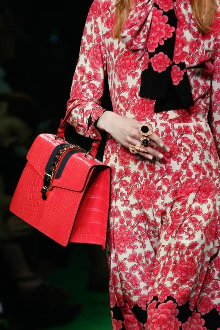 sac-a-mains-Gucci-printemps-été-2017-magie-rose