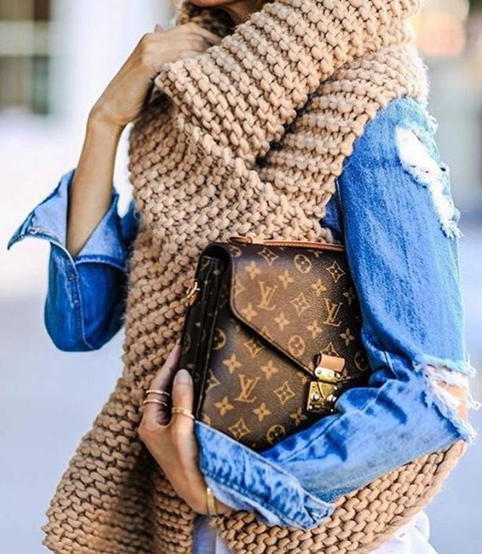 sacs-à-main-femme-Louis-Vuitton-la-classe-éternelle