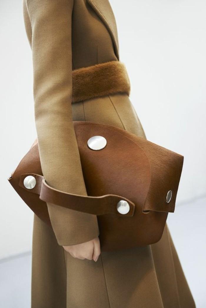 sacs-à-main-femme-en-beige-forme-carrée