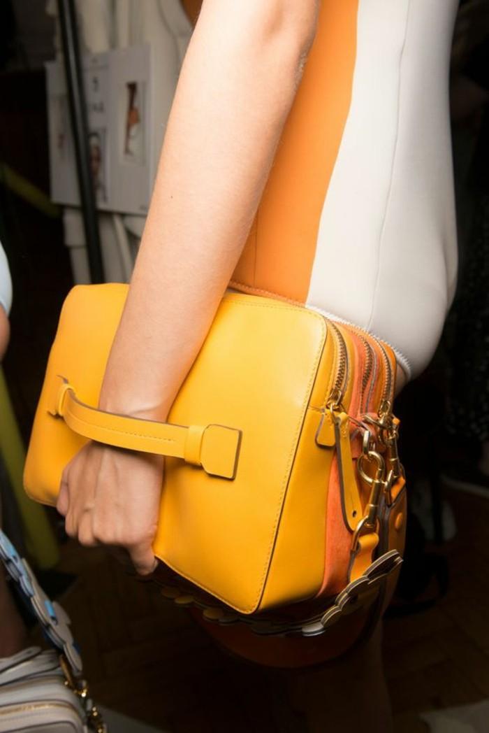 sacs-à-main-femme-en-jaune-design-grande-tendance-printemps-2017