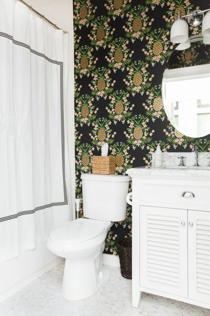 salle-de-bains-moderne-papier-peint-tropical-ananas